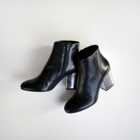 fabiorusconi-chunkyheelshortsboots