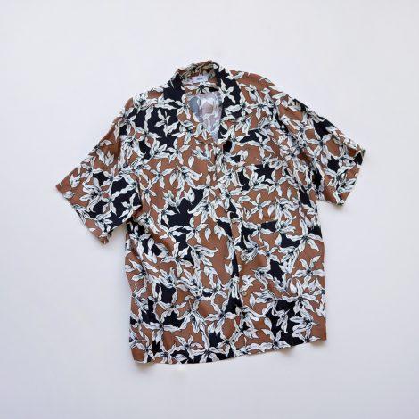 allege-flowerprintshirt