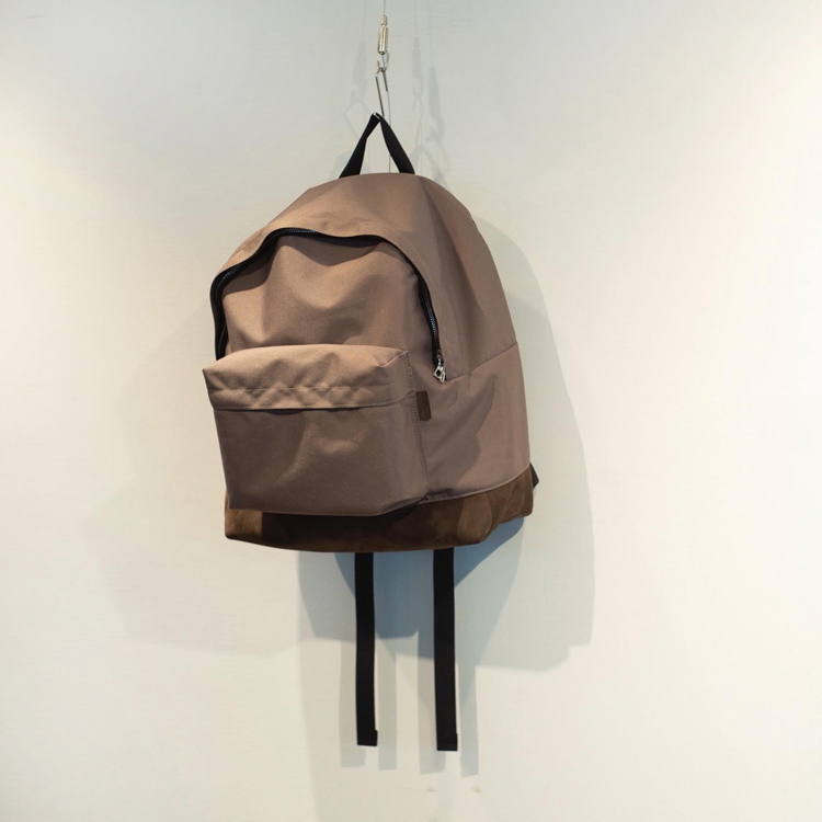 aacforefh-leatherbottomnylondaypack