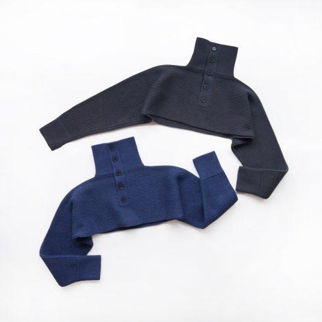 fumikauchida-pullhighnecksleevesweater
