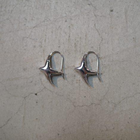 ralaganpre-tinypuffybirdearringssilver