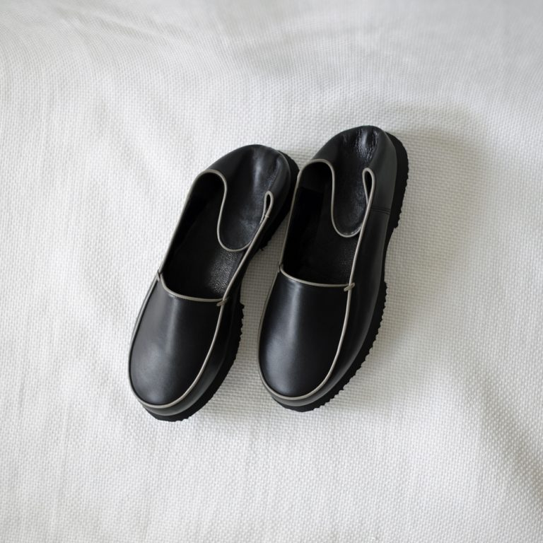 cristaseya-leatherbbouche